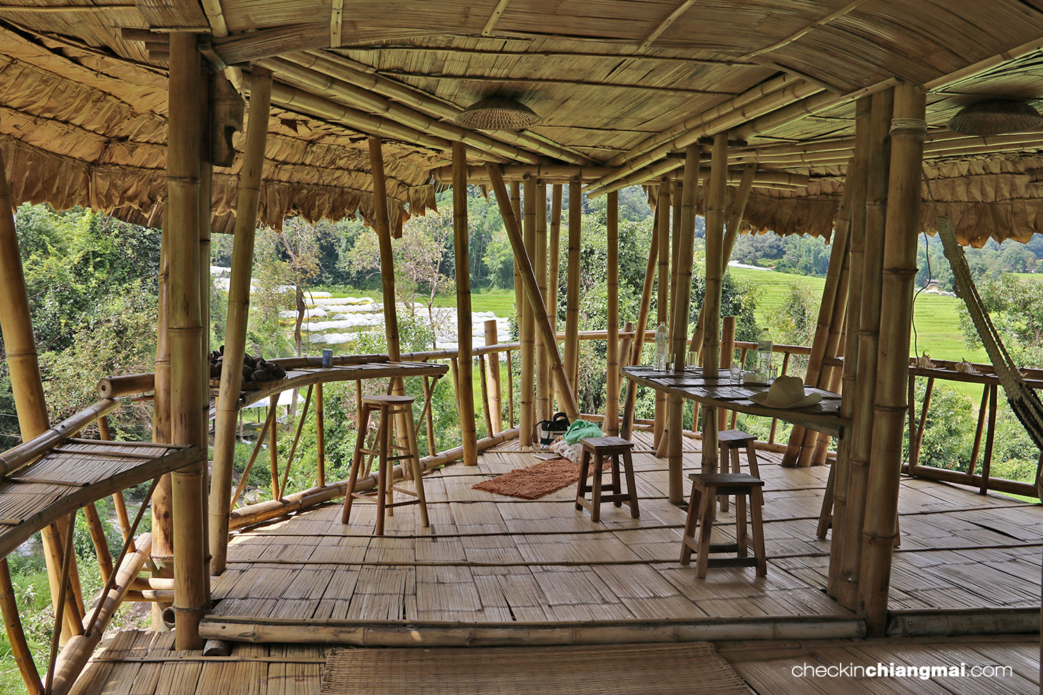 GiantBambooHut_006